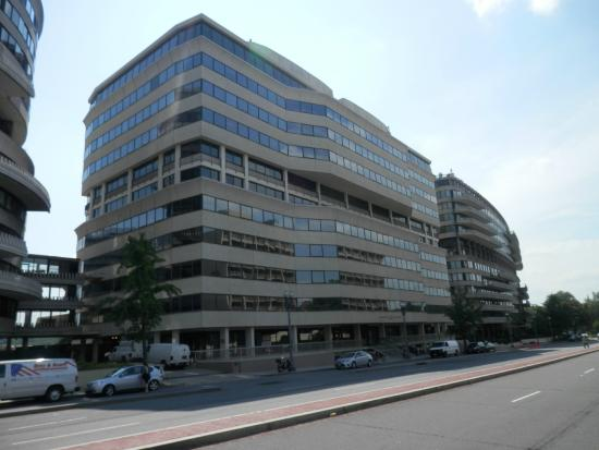 Watergate Complex: Watergate Office Building