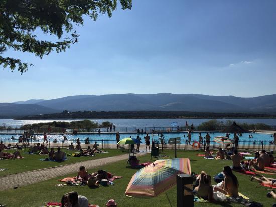 Fotograf a de rea recreativa de riosequillo for Piscina de buitrago de lozoya 2017