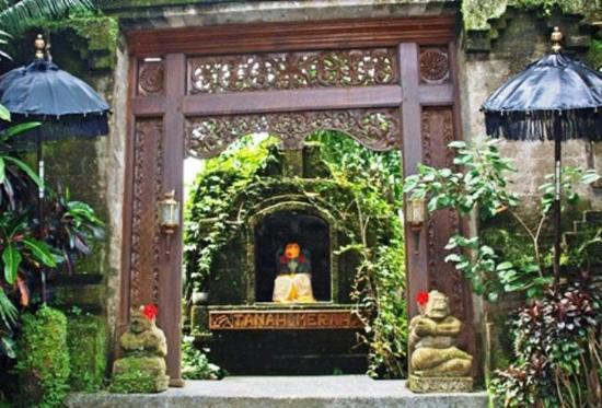 Tanah Merah Art Resort: Exterior view