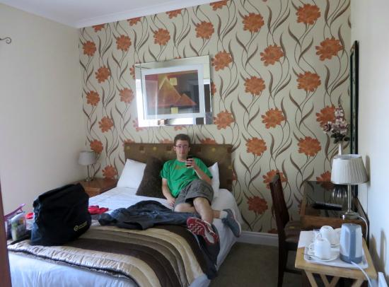 Rose Park House Bed and Breakfast: my son in his room at Rose Park House B&B