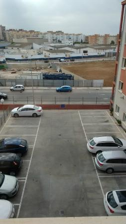 ibis Budget Malaga Aeropuerto Avenida Velazquez: Vista/estacionamento
