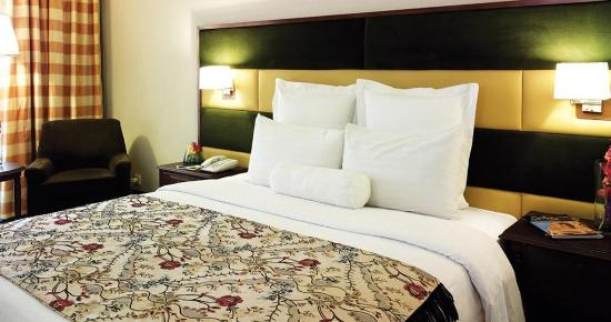 Pearl-Continental Hotel Peshawar: Guest room
