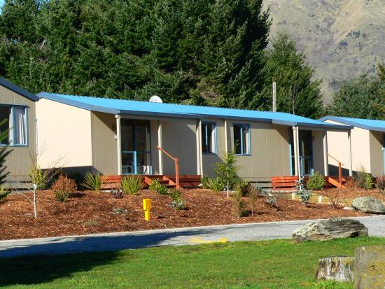 Wanaka Lakeview Holiday Park: Some of the accomodation available at the park