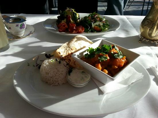 The Tea House: Pumpkin and Chickepea Curry