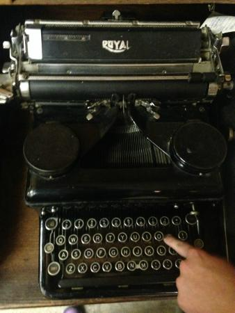 Three Forks Historical Center: Type writer