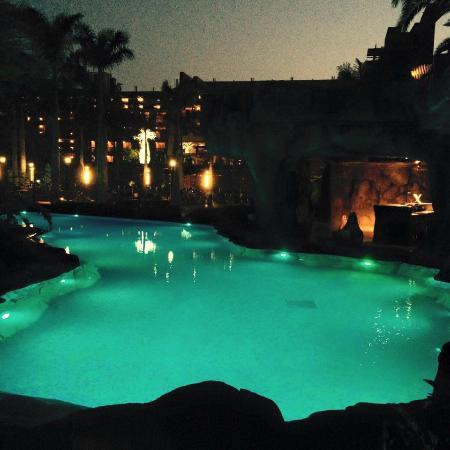 Costa Meloneras, Spanien: piscina rio de noche