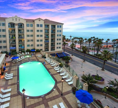 Wyndham Oceanside Pier Resort: Exterior