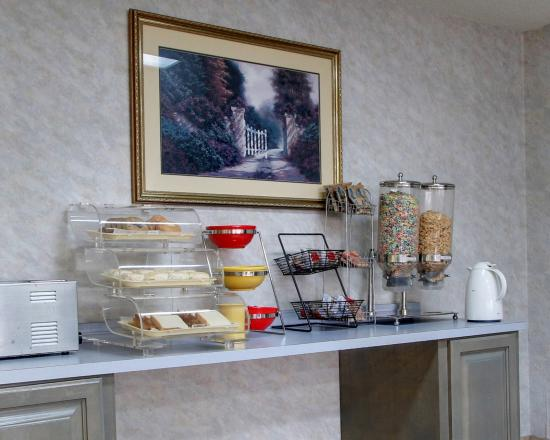 Econo Lodge - Hattiesburg / Highway 49 N.: MSBREAKFAST