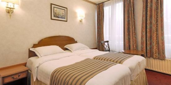 Atlanta Hotel: Double Standard