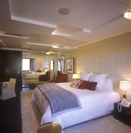 Fitzwilliam Hotel Dublin: The Penthouse Bedroom
