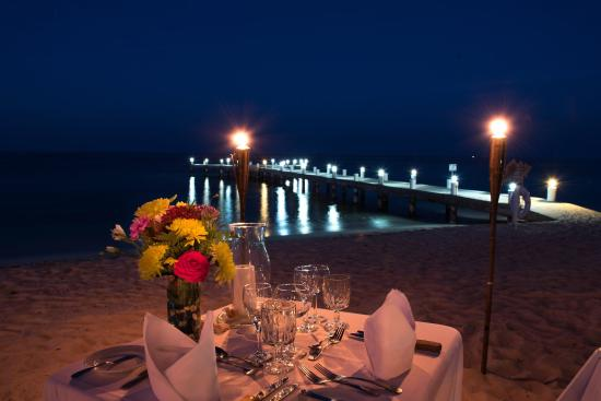 Wyndham Reef Resort: Romantic Dinner For Two