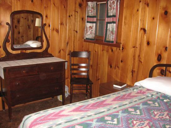 Timber Lost Resort: Bedroom-Cabin 1