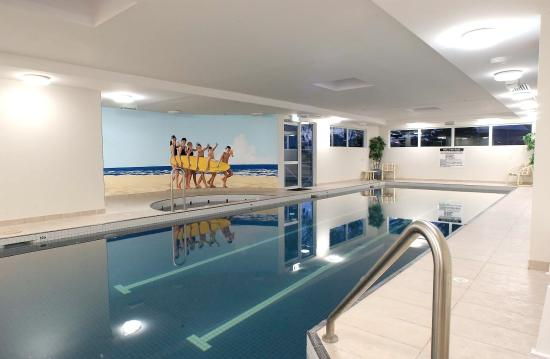 Pacific Views Resort: Indoor Pool - Spa