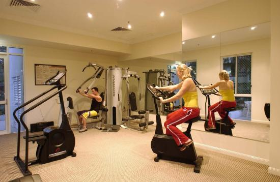 Pacific Views Resort: Fitness Room