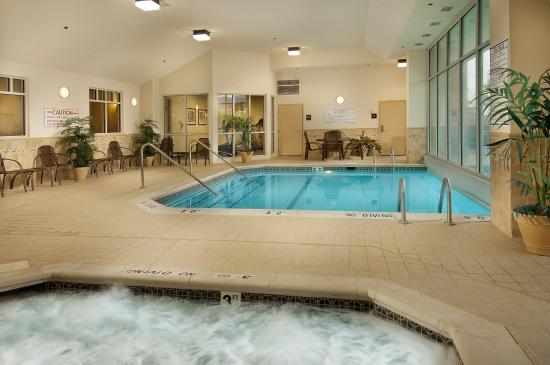 Drury Inn & Suites Indianapolis Northeast: Indoor/Outdoor Pool & Whirlpool