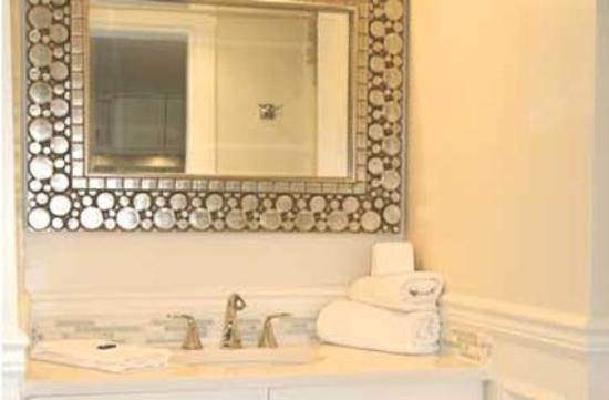 The Craigmyle : Bathroom