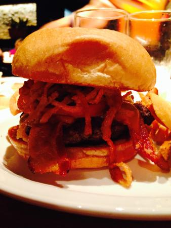 Cheddar's : burger