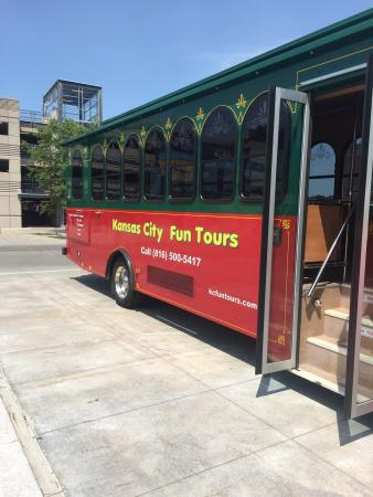 Kansas City Fun Trolley Tours: Ready to board the trolley!
