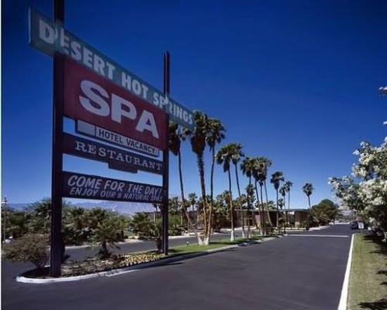 Desert Hot Springs Spa Hotel: Exterior