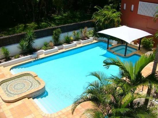 BeachView Apartments at Villa Paradiso: Heated Pool