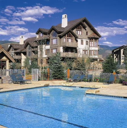 Arrowhead Village: Pool view