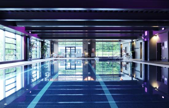 Village Hotel Leeds South: Swimming Pool