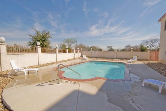 Hempstead, TX: Pool