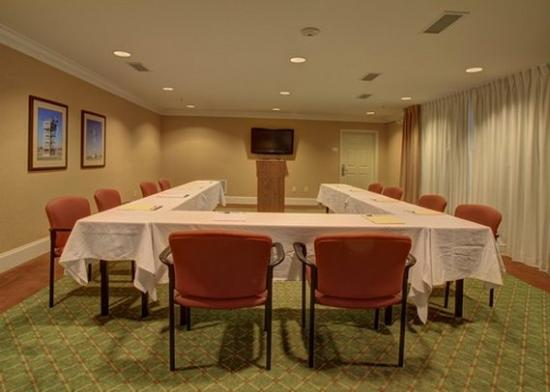 Hawthorn Suites by Wyndham Columbus Fort Benning: GAMeeting Room