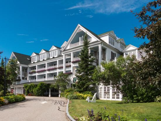 Chase House at Mill Falls: Lovely looking hotel