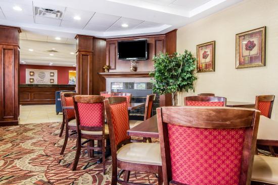 Comfort Inn & Suites: MEBKFAST