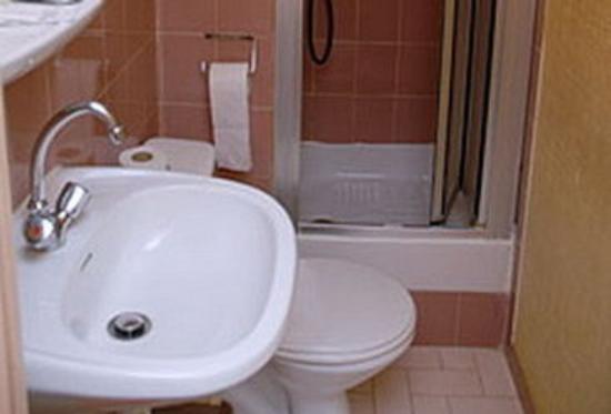 Hotel de Belfort : Bathroom
