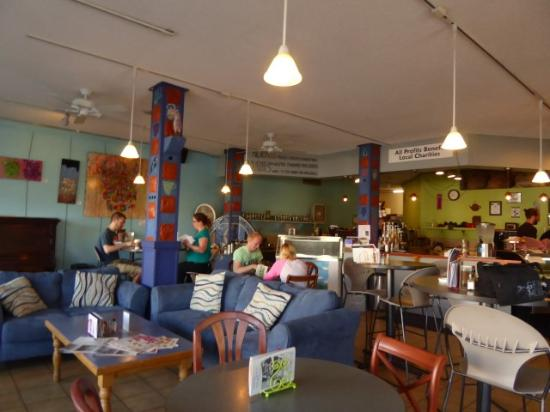Milagros Coffee House: Cozy and welcoming corner cafe in down Alamosa.