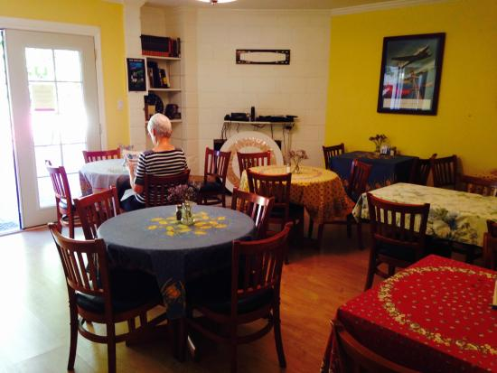 San Anselmo Inn: Breakfast dining area