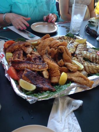 Palm Street Pier Restaurant and Bar: Our own catch cooked to perfection!