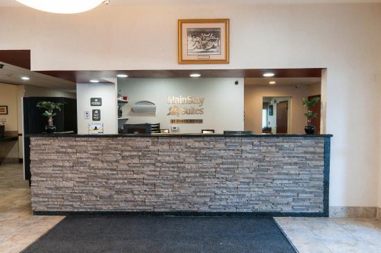 MainStay Suites: Interior