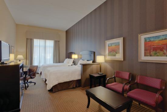La Quinta Inn & Suites Edgewood / Aberdeen-South: Guest Room