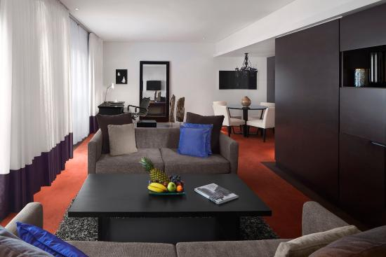 Radisson Blu Hotel Bucharest: One Bedroom Suite