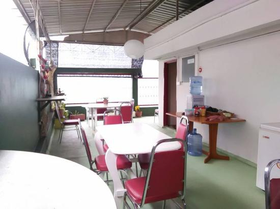 Sandakan Backpackers - Day Trips: Have the meal at the roof top.