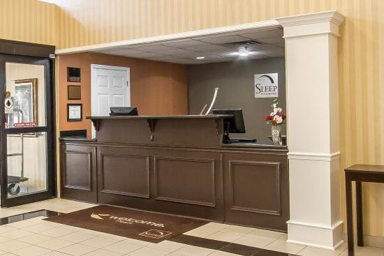 Sleep Inn & Suites Pearl: Lobby