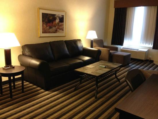 Living Room Picture Of Best Western Plus Meridian Hotel Lloydminster Tri