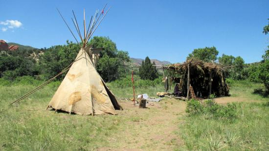 Rock Ledge Ranch Historic Site: Native American camp