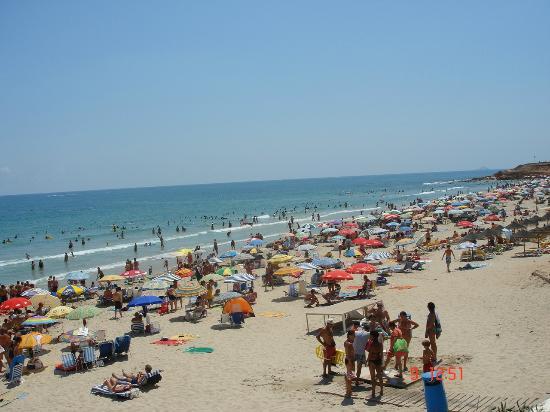 Torre de la Horadada, สเปน: Playa de Mil Palmeras no Verão