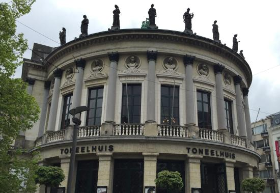 Bourla Theater (Bourlaschouwburg): 劇場