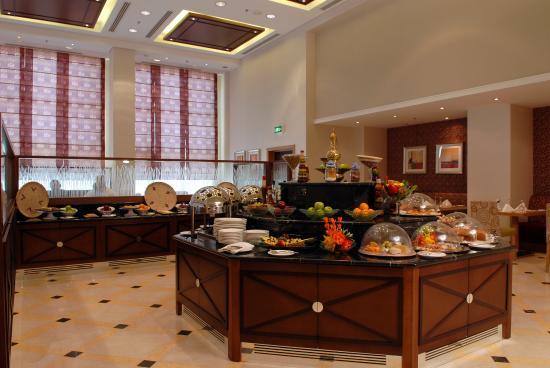 Al Jahra Copthorne Hotel & Resort: Taimaa Restaurant