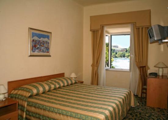 Hotel Supetar: Supetar Sea View