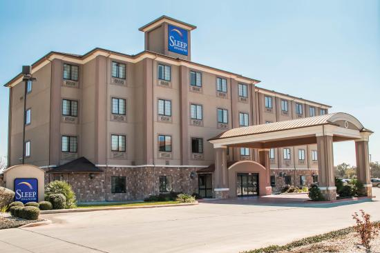 Sleep Inn & Suites at Six Flags: TXBExterior