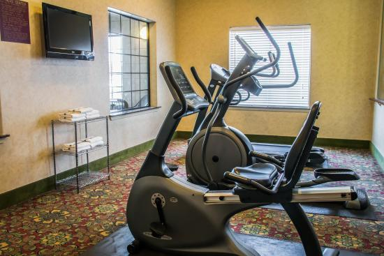 Sleep Inn & Suites at Six Flags: TXBFitness