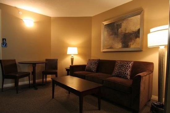 Rosedale on Robson: Living Room