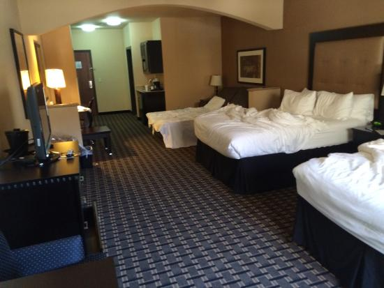 Holiday Inn Express & Suites Denton - UNT - TWU: Suite