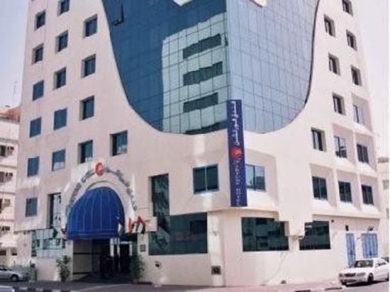 Smana Hotel Al Riqa: Exterior
